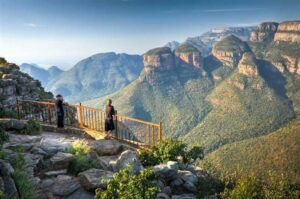 Travellers taking in the Panorama Route view - Nelspruit Attractions - Shandon Lodge
